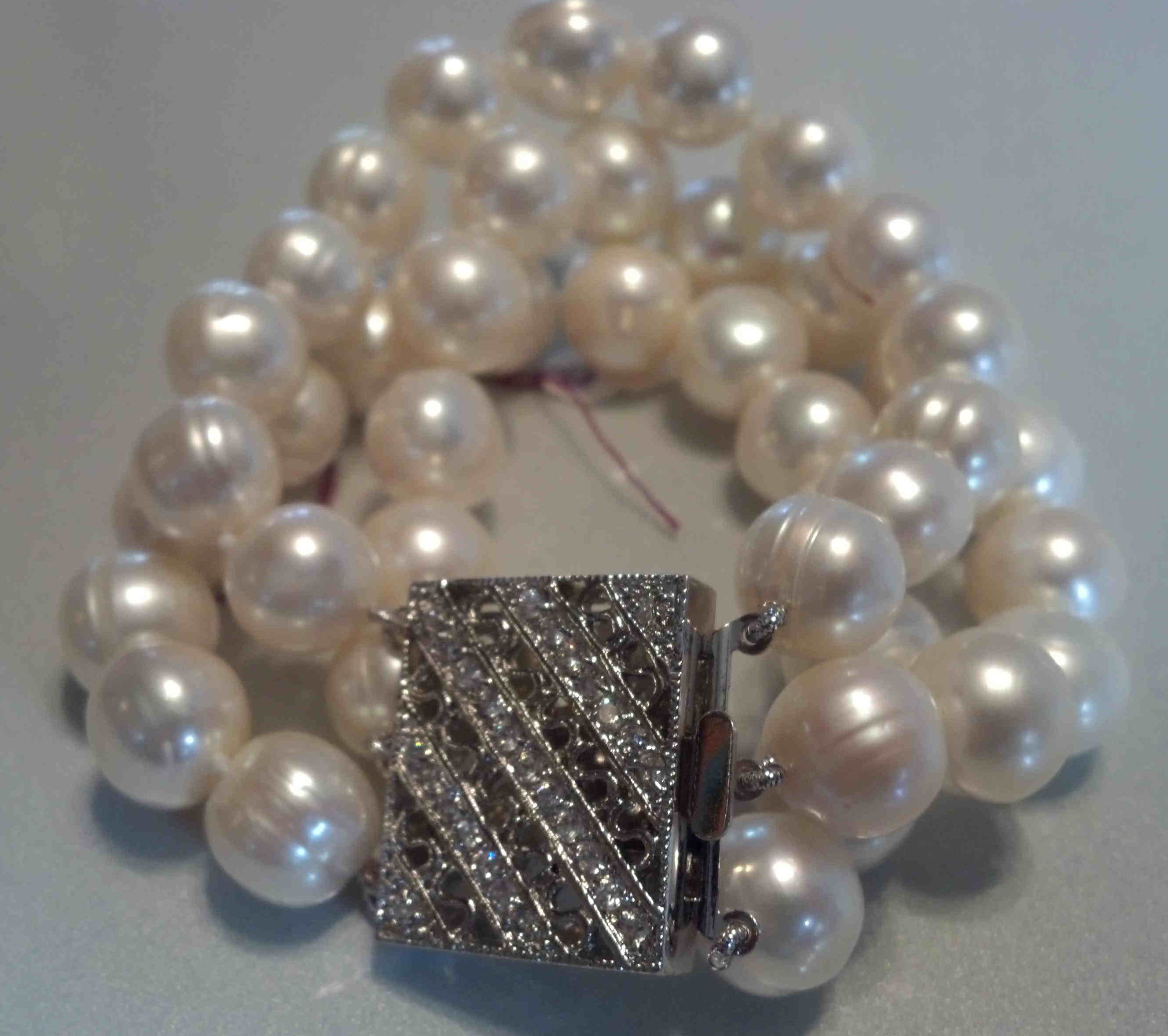 #017 - 11MM TRIPLE BRACELET 7_5 INCH WHITE BAROQUE PEARL SILVER_CRYSTAL CLASP