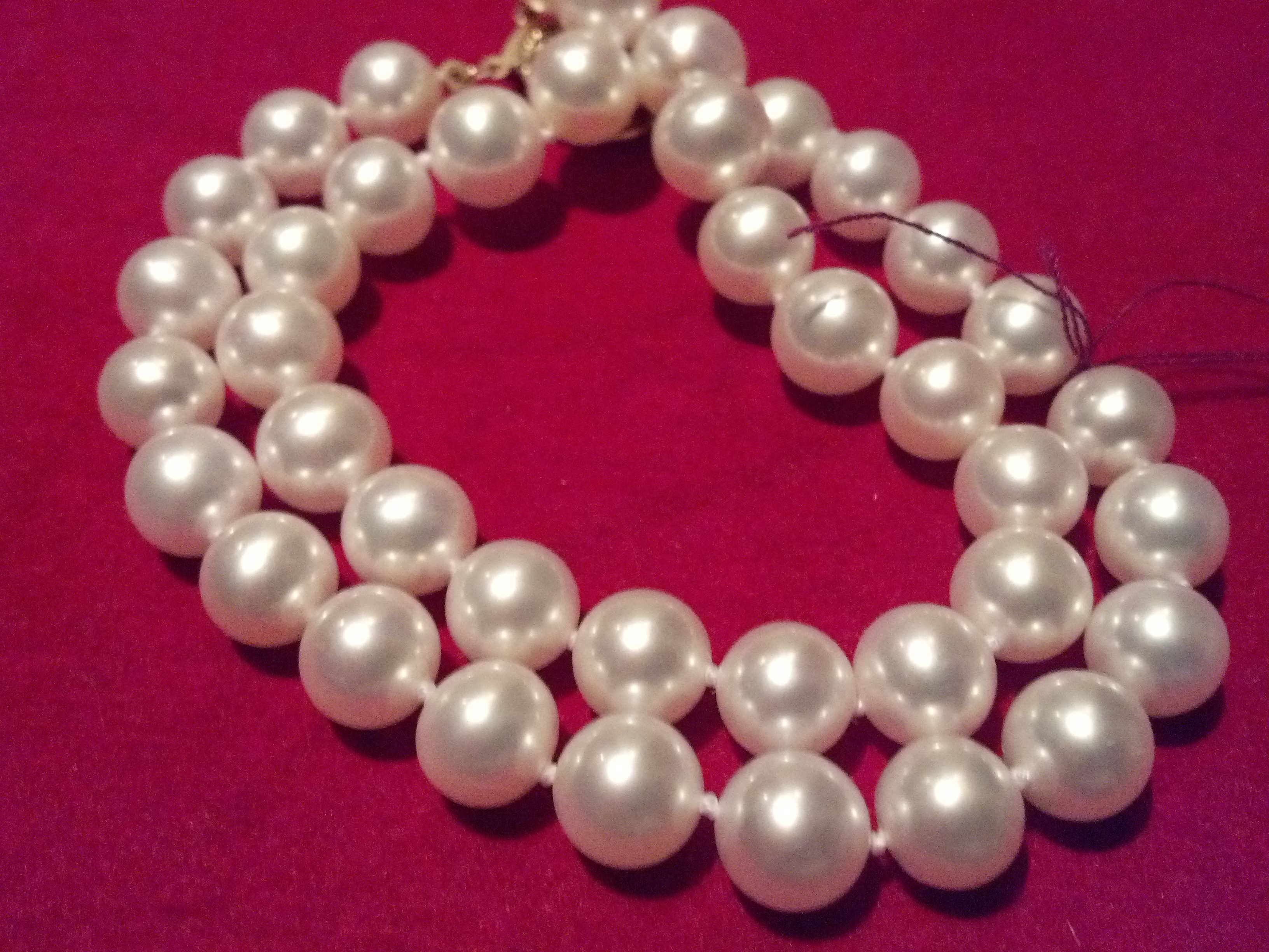 #024 - CULTURED 8 MM DOUBLE WHITE BRACELET
