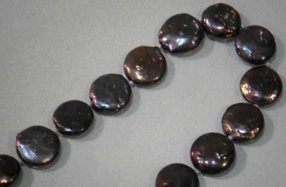 #115 NECK-COIN36-BLACK CLOSE