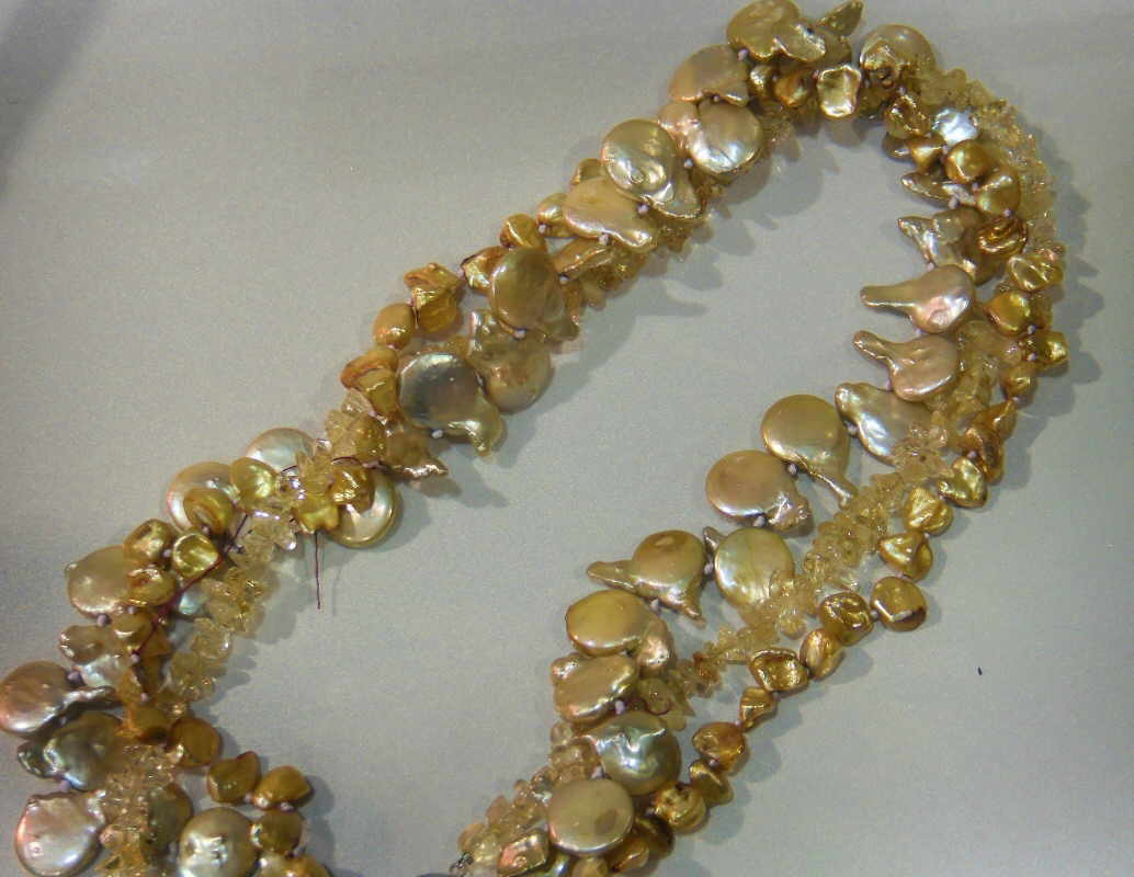 #532 - NECK-MULTI- GOLD PEARL CRYSTAL