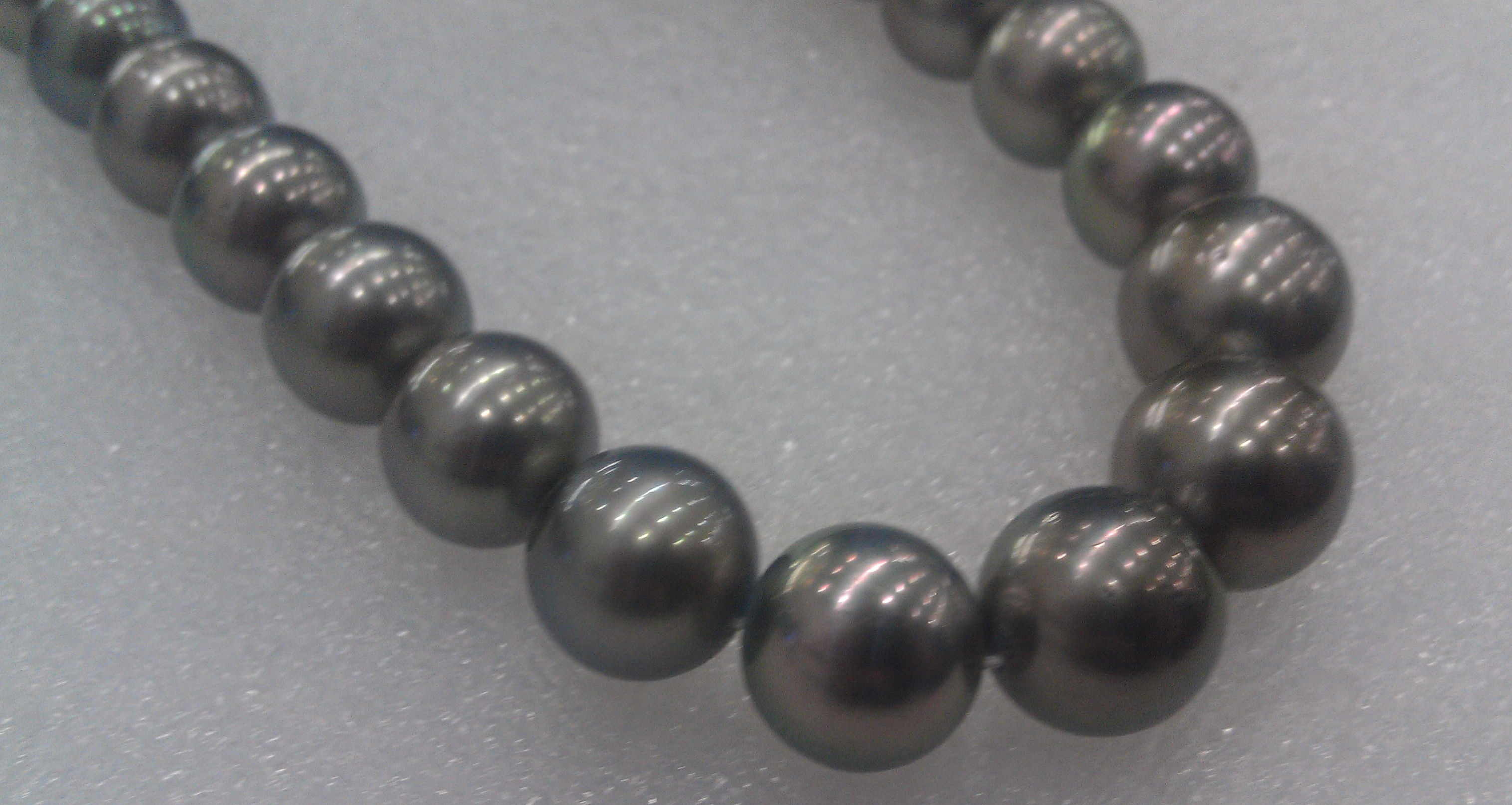 #706 - 18INCH 14MM SOUTH SEA TAHITIAN DARK GREY 14K CLASP CLOSE