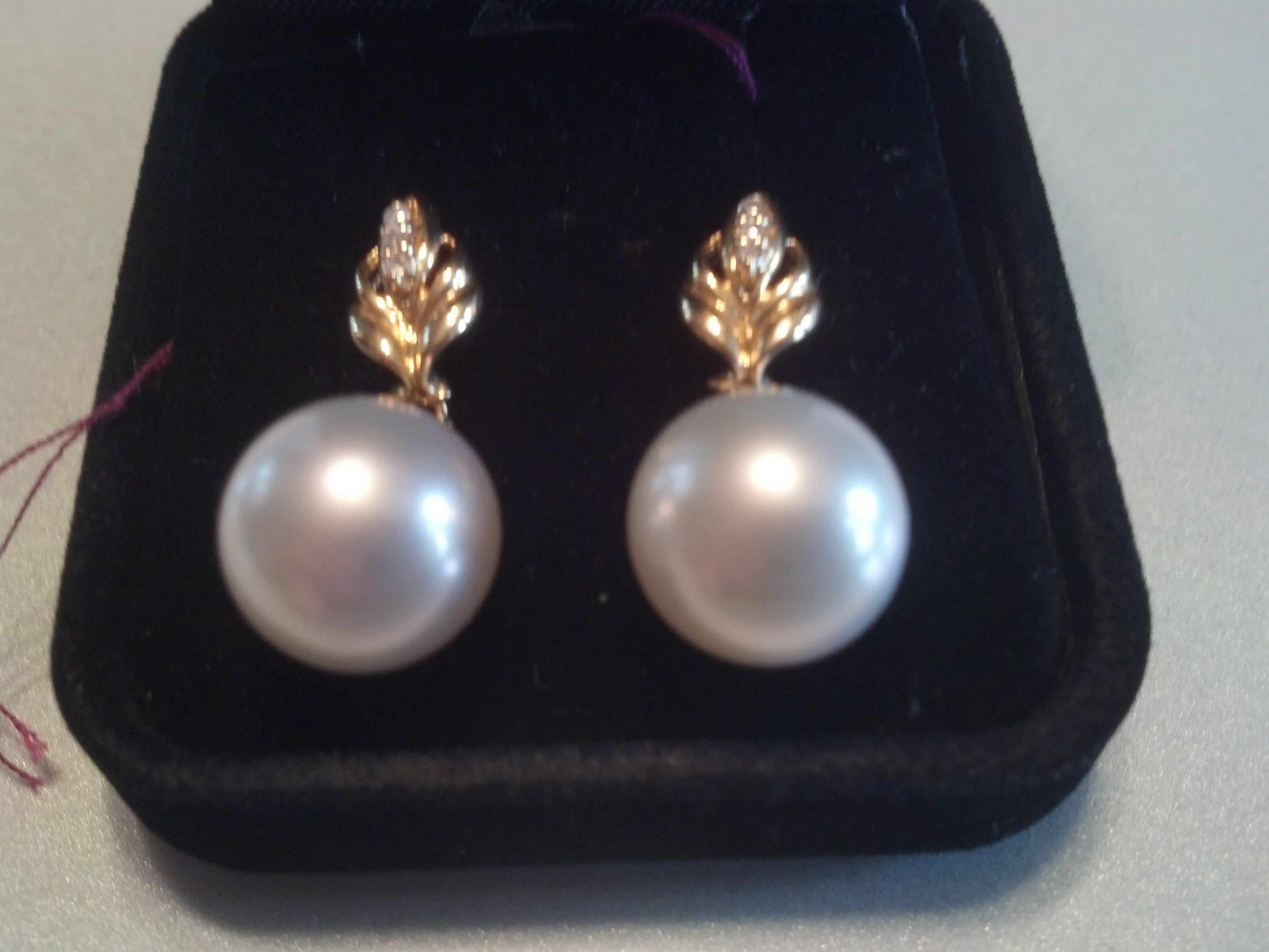 #715 - 18K 12MM GOLDEN SOUTHSEA STUDS DIAMONDS