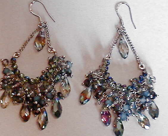 #AJ910  CRYSTAL DESIGNER EARRINGS