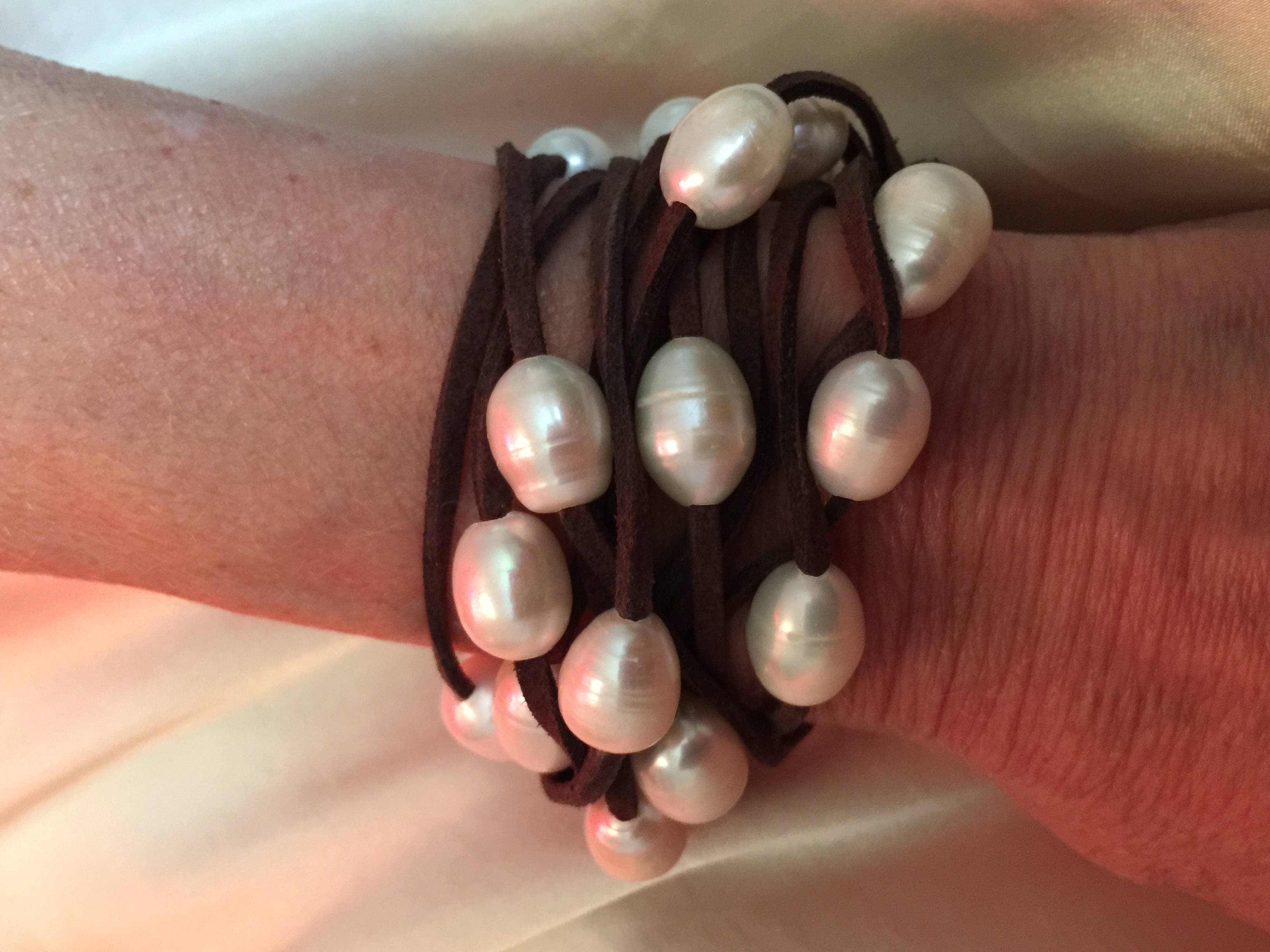 "78"" Suede Leather 32 10mm Freshwater Pearls"